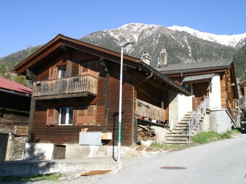 Haus mit 2 Wohnungen