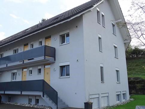 Hell modern auf 2 Etagen Balkon Weitsicht bei Emme und Wald
