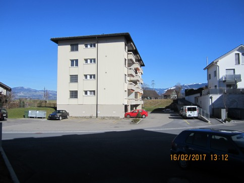 Helle 4 Zi-Wohnung, obertster Stock, Einzelgarage + Nebenk. inklusiv