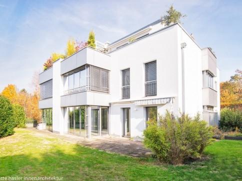 Helle, moderne Wohnung mit eigenem Garten an bevorzugter Lage