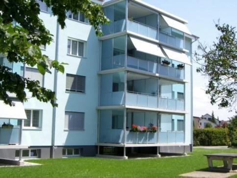 Helle Wohnung mit grossem Balkon