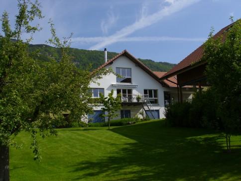 helles Einfamlienhaus an ruhiger Lage mit Alpen-und Jurasicht