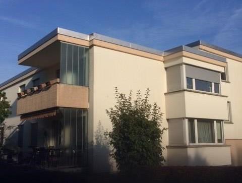 Hübsche 3.5 Zimmer Wohnung mit Sitzplatz nähe Schulhaus zu vermieten