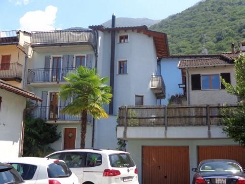 Komplett renoviertes 4,5 Zi-Ferienhaus mit Terrasse und Garage