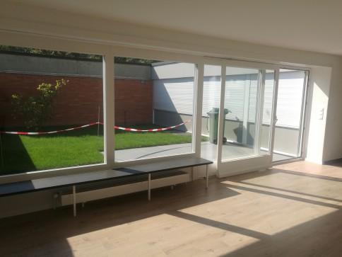 Komplett renoviertes Reiheneinfamilienhaus mit Garten + PP