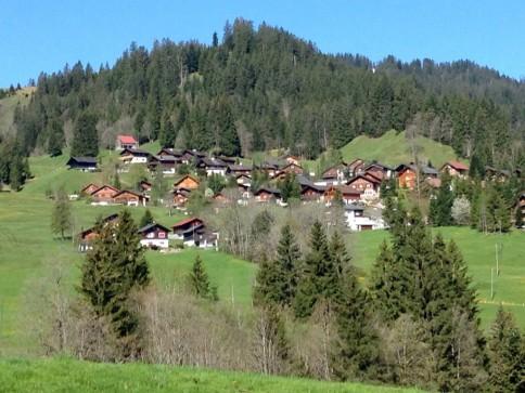 Modern eingerichtetes Chalet 45min von Zürich