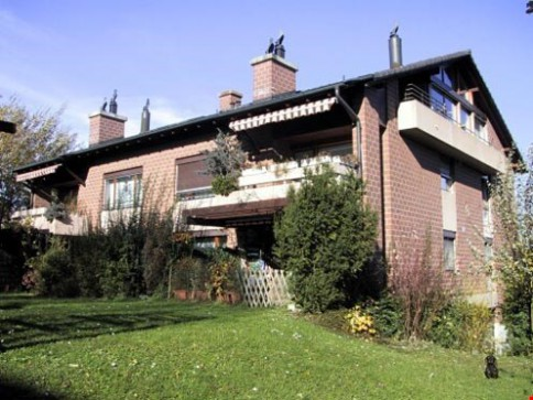 moderne 4 1/2 ZiWo (114m2) mit Cheminée + Balkon in Therwil
