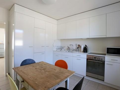Möbl. 3.5-Zimmer-Dachwohnung in Riehen