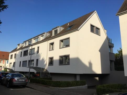 Möblierte 2-Zimmer Dachwohnung mit Charme in ruhigem Quartier
