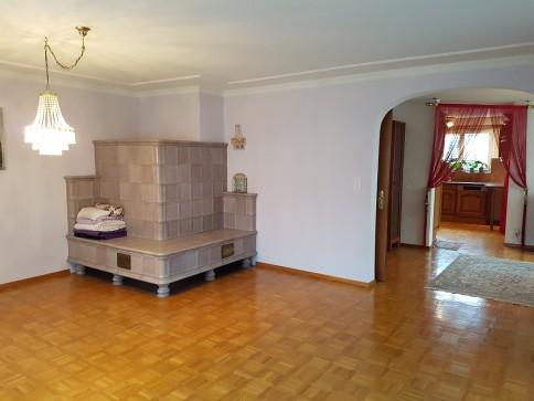 möblierte 3.5-Zimmerwohnung mit Kachelofen & gemütlichem Balkon, 96m²