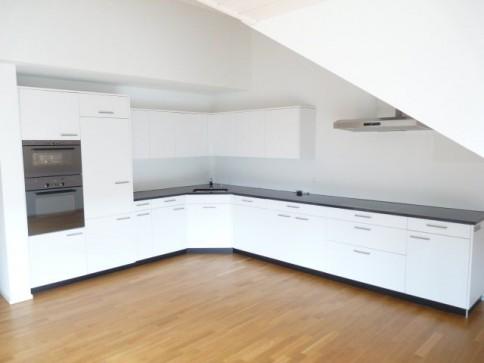 Neuwertige 4.5-Zimmer-Maisonette-Wohnung
