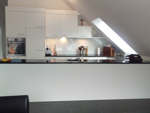 Neuwertige Wohnung an zentralster Lage in Altdorf