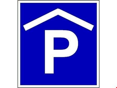 Parkieren im Zentrum von Münchenbuchsee.