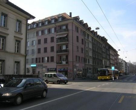 renovierte 3-Zi - Wohnung mit Wohnküche in der Länggasse