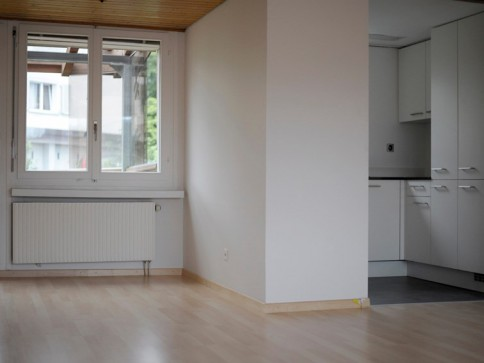 Renovierte 4.5 Zimmer-Wohnung im Zentrum mit grossem Balkon