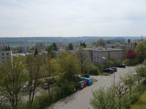 Ruhige Eigentumswohnung mit Einstellhallenplatz und schöner Aussicht