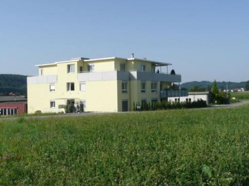 Schöne 4 1/2-Zimmer-Eigentumswohnung in 5-Familienhaus 1. OG