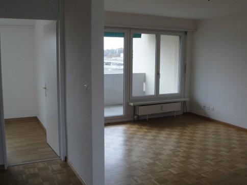 Schöne 4 Zimmerwohnung an verkehrsgünstiger Lage