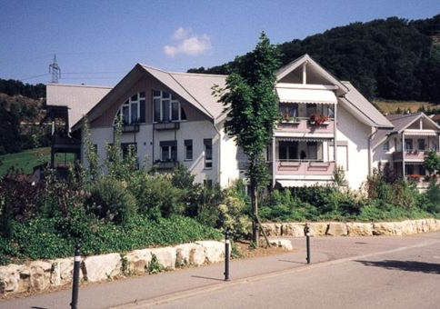 Schöne, attraktive 4,5-Zimmer-Dachwohnung am Südhang