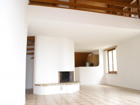 Schöne helle 134 m2 Wohnung mit Galerie + Cheminée in Wingreis/Twann