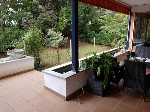 Schöne helle Mietwohnung mit grosem Garten