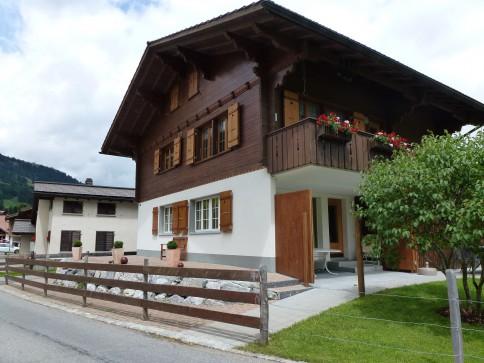 Schöne Wohnung direkt im Skigebiet. Sonnig,Terasse, zentral,LLLoipe