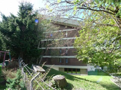 Séracs 28 - petit appartement rénové au 2ème étage au centre