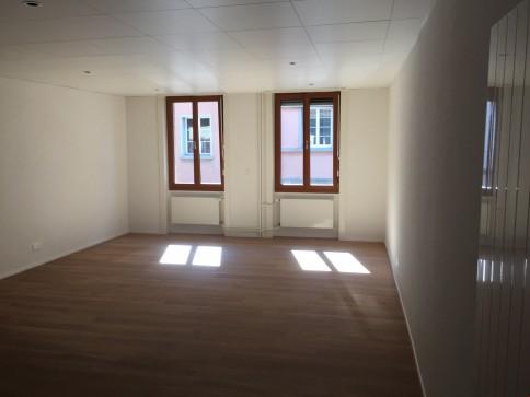 Spacieux studio loft neuf au centre ville d'Aigle