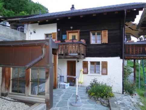 Total saniertes Einfamilienhaus mit Nebengebäude kl. Walliserhaus