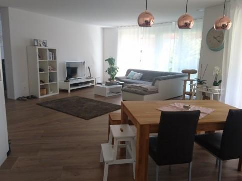 Wohnen an zentraler und ruhiger Lage im Buxus-Tower/Gartensitzplatz