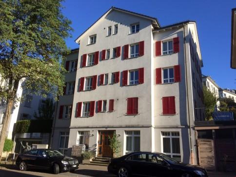 Wohnen im Linsebühlquartier - Wohnung mit neuem Farbanstrich