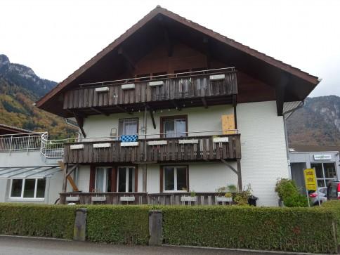 Zu vermieten in Reutigen: 3-Zi-Wohnung mit Balkon