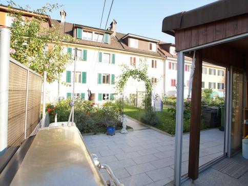 Zug: 2 Fam.-ReihenHaus, mit schönem Gartenbereich- & Wintergarten-Haus