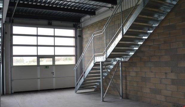Ateliers, dépôts, bureaux de 115 m² à louer à Avenches 13116912