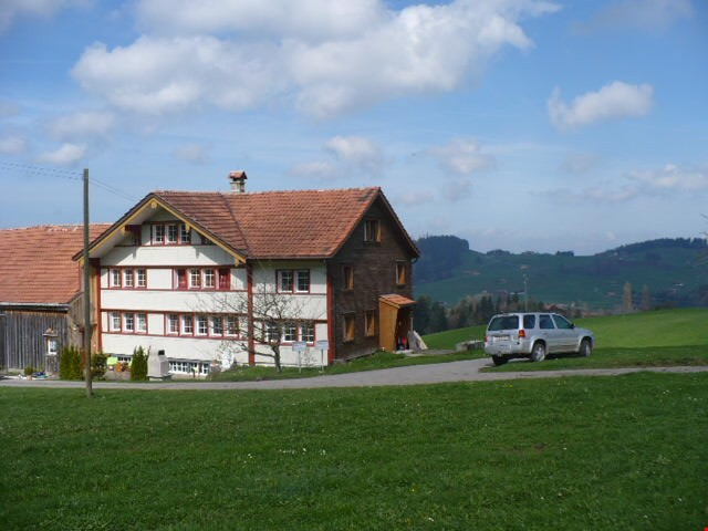 Bauernhaus im Grünen 25120447