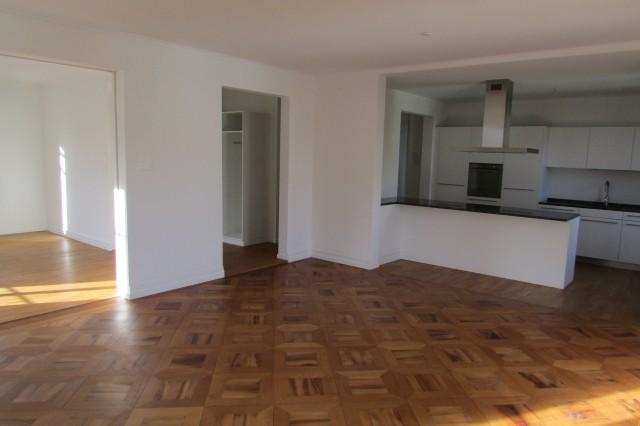 Sanierte 4.5-Zimmer-Altbauwohnung mit grossem Balkon! 22389148