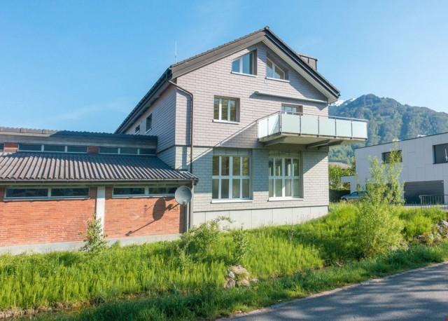 Exklusiv Wohnen auf 2 Etagen, an ruhiger und sonniger Lage 30046178