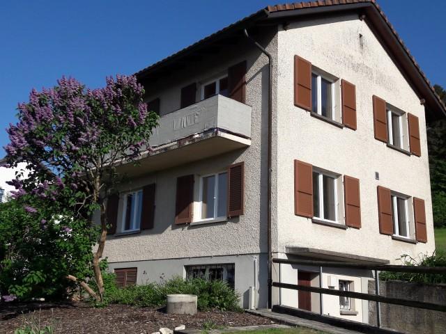 Einfamilienhaus an schöner Hanglage mit Garten am Waldrand 24448148