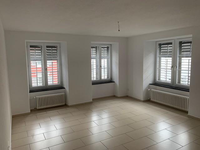 Schöne moderne 4.5 Zimmerwohnung zu vermieten 31114700