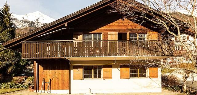 Ruhig gelegenes Ferienhaus mit Blick in die Berge 27445247