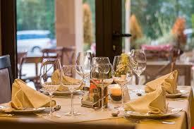 Neuchâtel ouest - Restaurant très bien placé avec chambres d 20409238
