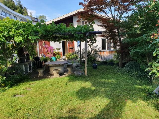 Garten mit Cheminée und Sitzplatz