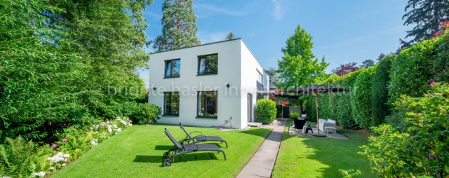 Wohnen am Bach in bevorzugtem Villenquartier 30235687
