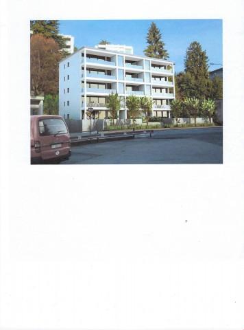 Appartamento con balcone al ultimo piano in una palazzina mo 32368638