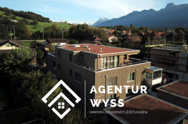 Agentur Wyss: Edle Attika-Eigentumswohnung in Wattenwil 31044673