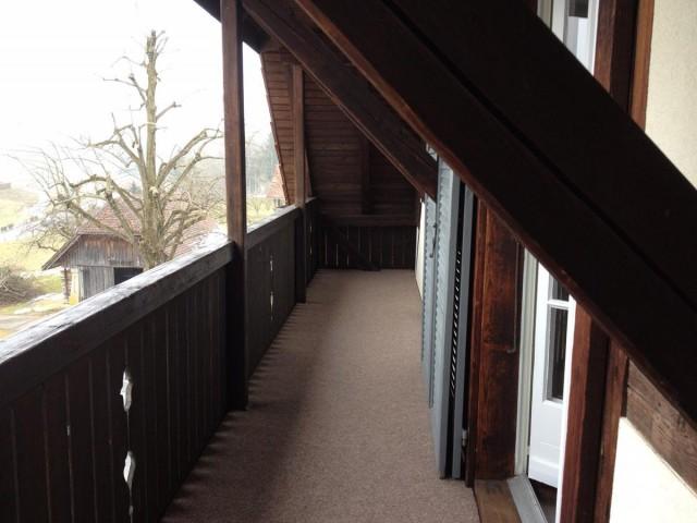 Mehrfamilienhaus, renovierte 4 1/2 Zimmerwohnung mit Balkon 20820385