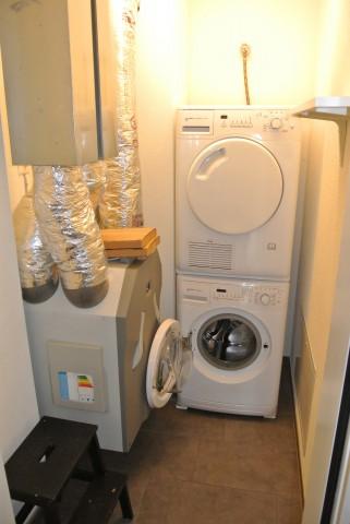 Reduit mit Waschmaschine und Trockner