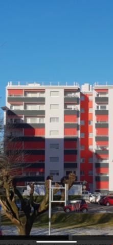 Subentrante appartamento soleggiato a piano alto, con cantin 30993812
