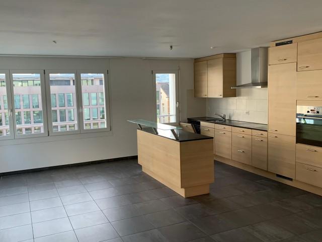 Neuwertige 5.5 Zimmer-Wohnung nahe Bahnhof Wetzikon 32249317
