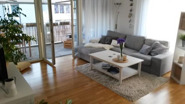 Moderne, grosszügige 3,5 Zimmer Wohnung mittem im Dorfzentru 19669102